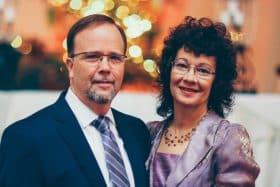 Matt Trewhella con su esposa